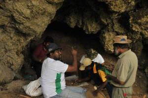 hunugalagala_ limestone_cave_excavation_2013_02