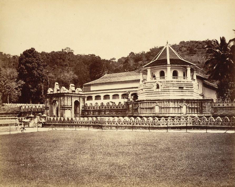 temple_of_the_sacred_tooth_relic_1880_Joseph_Lawton