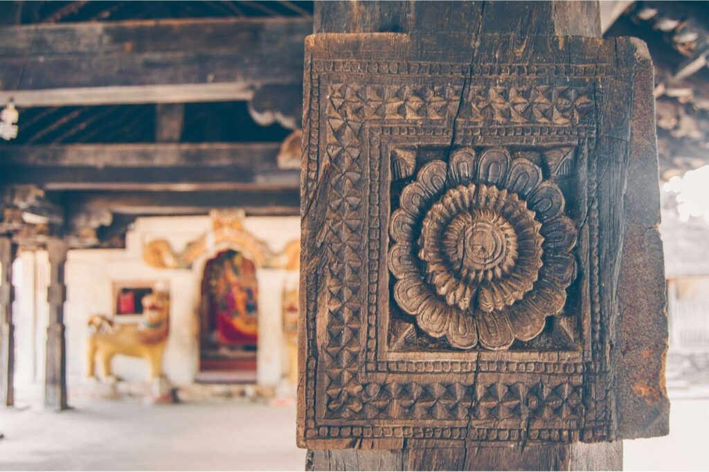Embekke_Devalaya_Wooden_Carvings